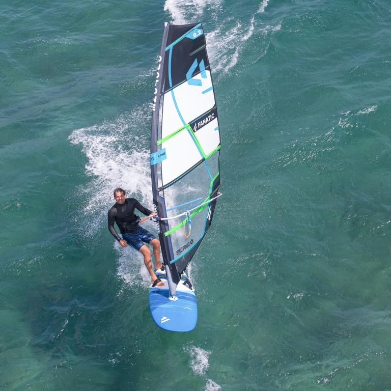 Cours de planche à voile en mer en Vendée