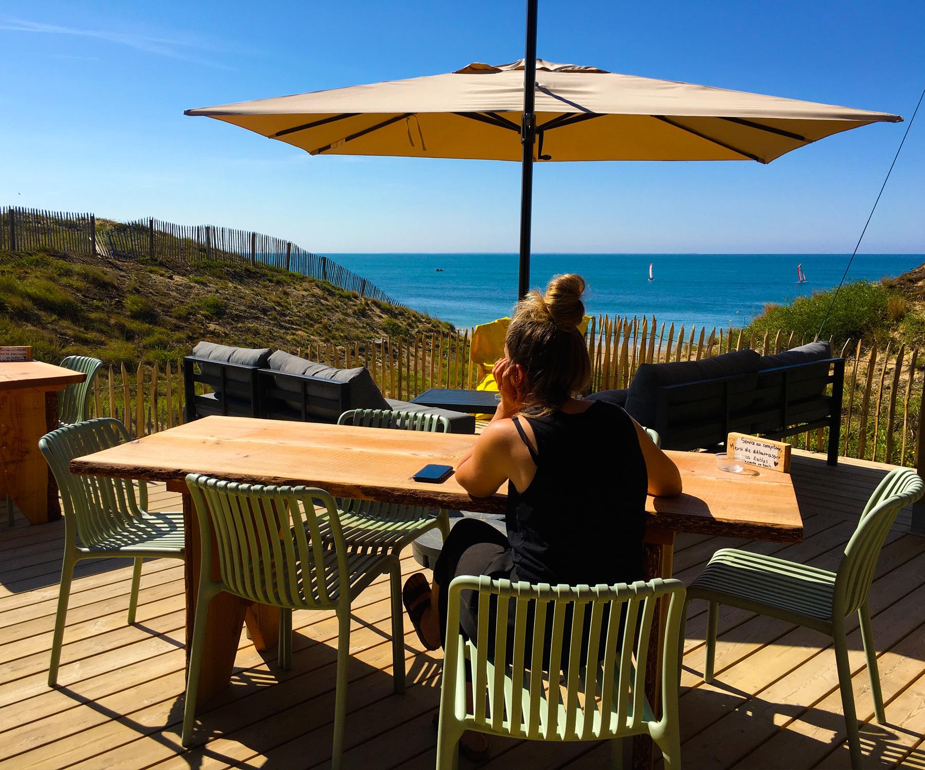 moments-restaurant-plage-bouil-vue-mer-vendee